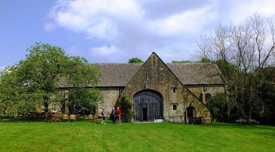 Bourton House Garden: The Tithe Barn