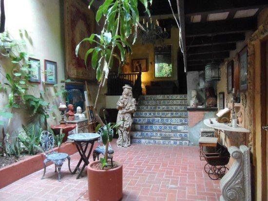 The Gallery Inn: Hotel Terrace