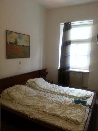 Pension Lugano: Двухместный номер с душем
