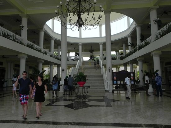 Grand Palladium Jamaica Resort & Spa: Lobby ... you will be here a while : )