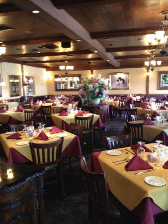 Dining room really nice picture of annie 39 s paramount for Steak and fish restaurants near me