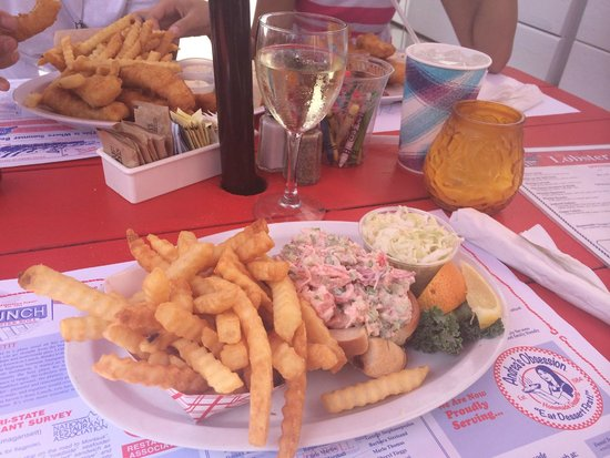 Lobster Roll Restaurant: Our food - so delicious!