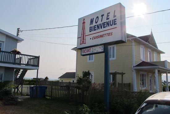 Motel Bienvenue: devant du motel