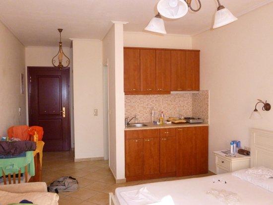 Perla Hotel: angolo cottura