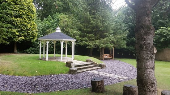 Selsdon Park Hotel & Golf Club: Secret garden