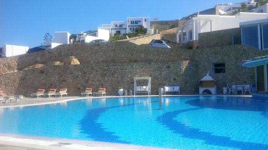 Myconian Imperial Hotel & Thalasso Centre : Salt Water Pool