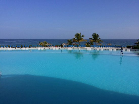 Grand Palladium Lady Hamilton Resort & Spa: main pool