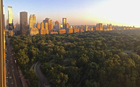 Park Lane Hotel : Central Park at sunrise