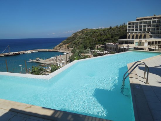 Mirabello Beach & Village Hotel : Shared pool