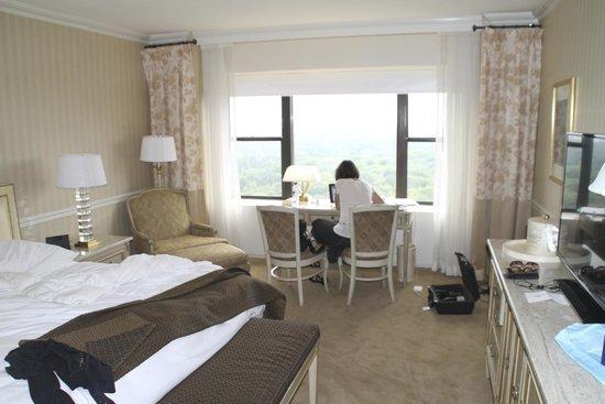 Park Lane Hotel : Room 3302