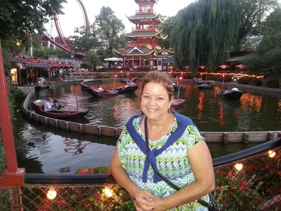 Tivoli Gardens: in the evning