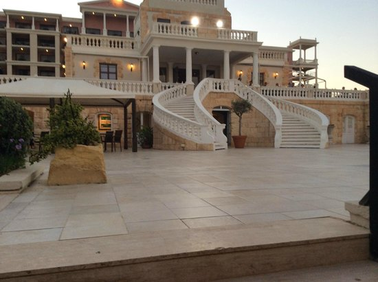 The Westin Dragonara Resort, Malta: The Patio , stairs to go up