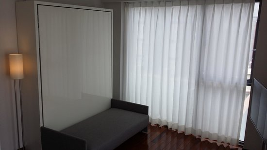 Industrie Hotel: 침대가 안에 숨어 있습니다