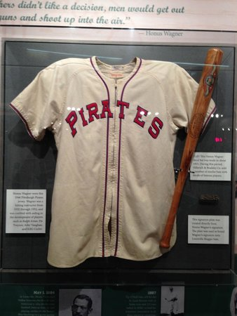 Louisville Slugger Museum & Factory : Pittsburgh Pirates jersey