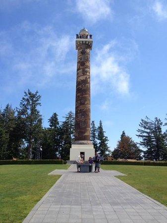 Astoria Column: artwork on the column