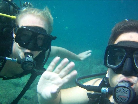 Silent World Divers: Having a nice time underwater