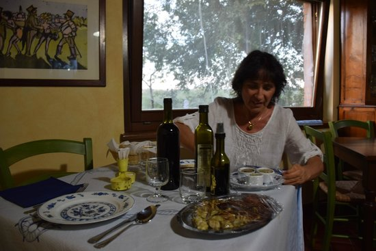 Scansano, İtalya: a tavola per gli antipasti
