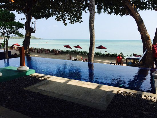 The Briza Beach Resort Samui: Our pool