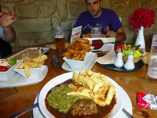 The Ship Inn: Great pub grub
