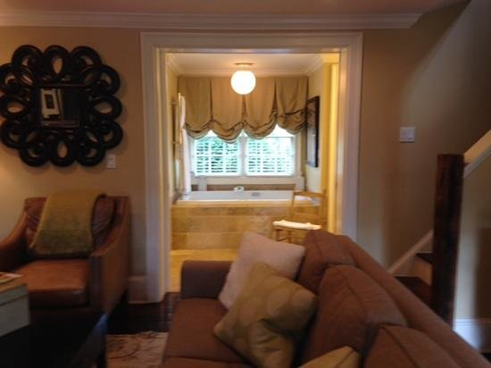 The Inn at Willow Grove: Luxury at its finest!