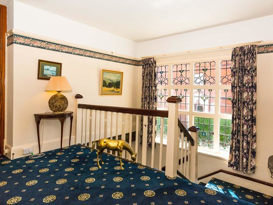 Castle Lodge Hotel: Hallway