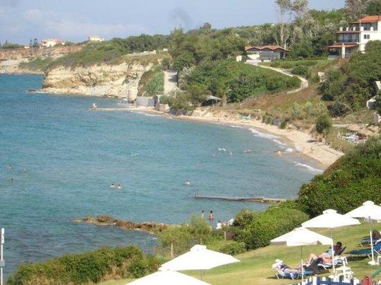 SENTIDO Louis Plagos Beach: beach further along from hotel