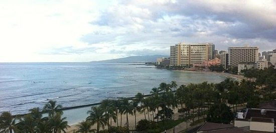 Aston Waikiki Beach Hotel : Our view from our hotel room -Beach across the street!