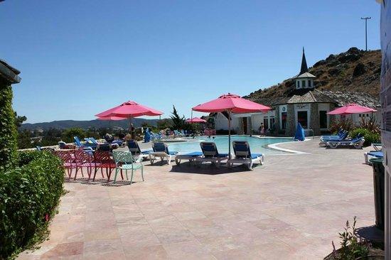 Madonna Inn: Pool