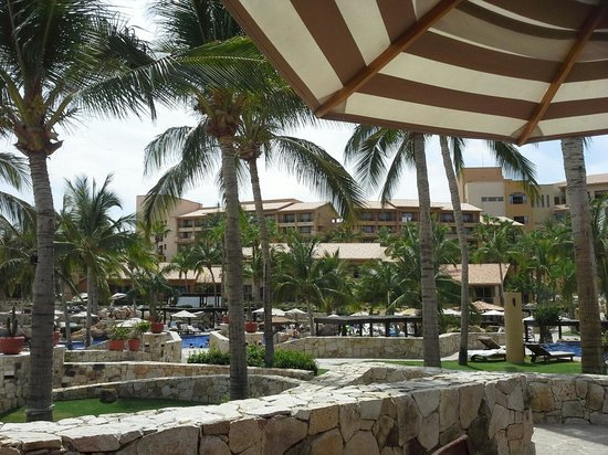 Grand Fiesta Americana Los Cabos All Inclusive Golf & Spa: Resort view from Peninsula Restaurant
