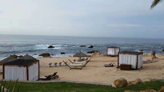 Grand Fiesta Americana Los Cabos All Inclusive Golf & Spa: Cloudy morning beach view from Peninsula Restaurant