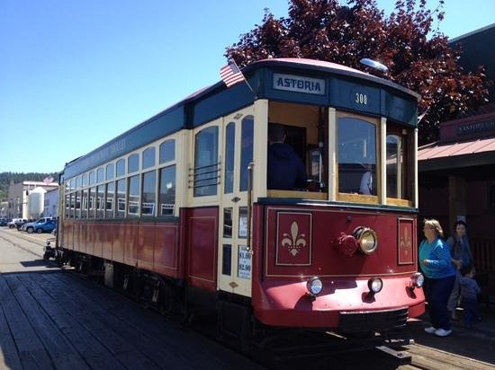 Astoria Riverfront Trolley: Astoria trolly on a sunny day