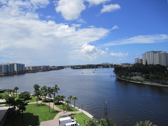 Waterstone Resort & Marina Boca Raton, Curio Collection by Hilton : view from our balcony