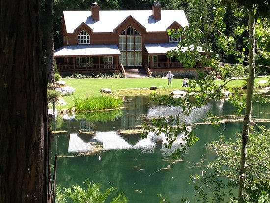 Big Springs Gardens: View across beautiful pond