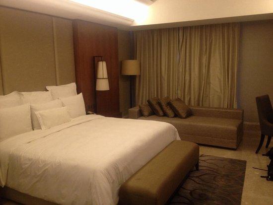 Hotel Tentrem Yogyakarta: Premiere room