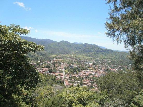 Zona Arqueológica de Malinalco: Vista desde la Zona Arqueológica