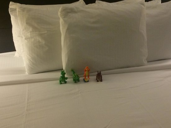 Staybridge Suites Lake Buena Vista: Housekeeping would set up my 15 month old 's dinosaurs for him upon returning from the parks in