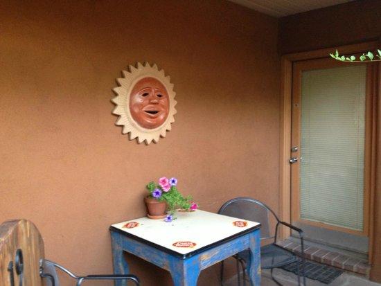 Santa Fe Motel and Inn: Outside the boys room