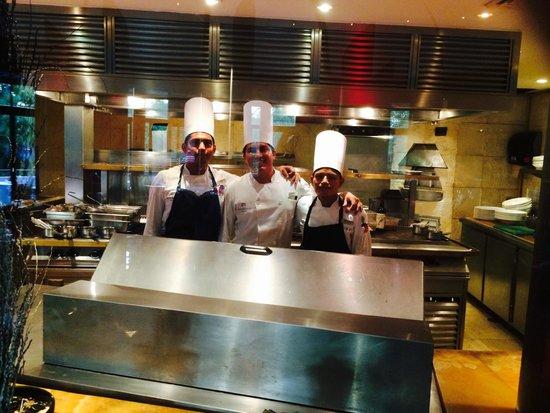 Blue Diamond Luxury Boutique Hotel: Ambar chefs