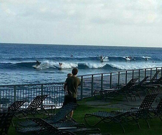 Marriott S Waiohai Beach Club Morning Surf