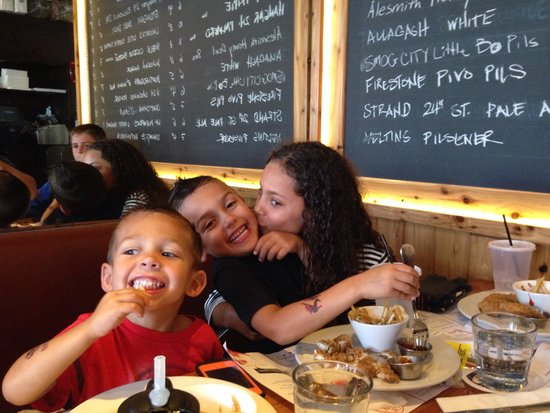 Simmzy's: Kids having fun