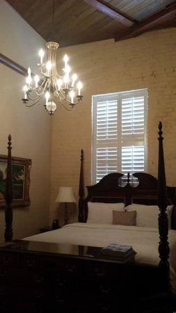 Ansonborough Inn: Petite Room 224