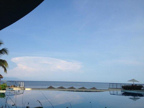 Sunset Plaza Beach Resort & Spa : en el mar....