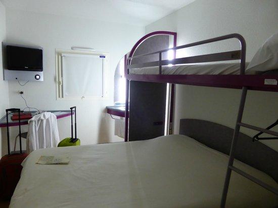 Ibis Budget Carcassonne La Cité: Room