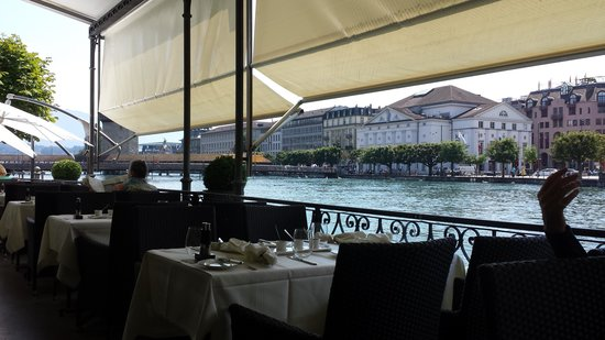 Hotel des Balances : terrace view