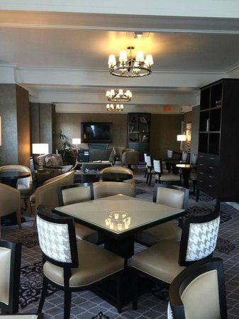 Fairmont Le Chateau Frontenac : Newly decorated Fairmont Gold Lounge