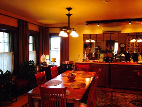 Iowa House Hotel - Ames: Dining room
