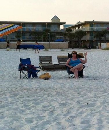 Days Inn Pensacola Beachfront : You're right on the beach. The hotel is directly behind me.