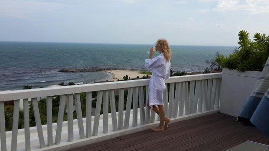 The Cliff Resort & Residences : Очень красивое море