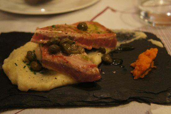 El Meson de Cervantes: Delicious Tuna