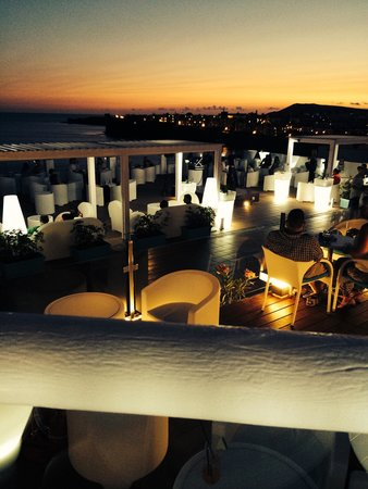 Sandos Papagayo Beach Resort: White party
